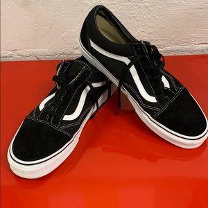 Classic Vans Old Skool Sneakers
